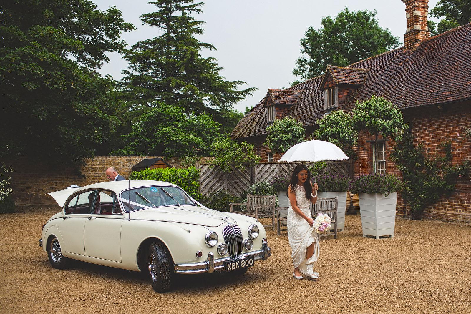Surrey wedding car1