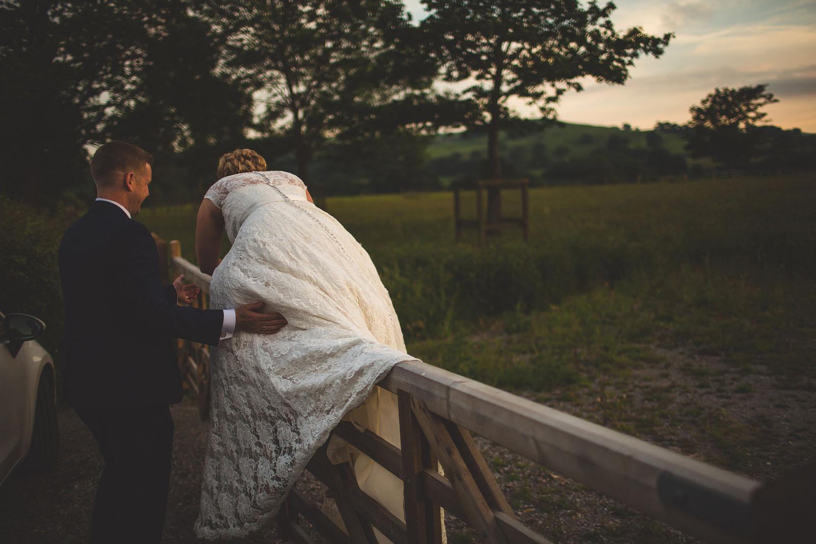 climbing fence at wedding1