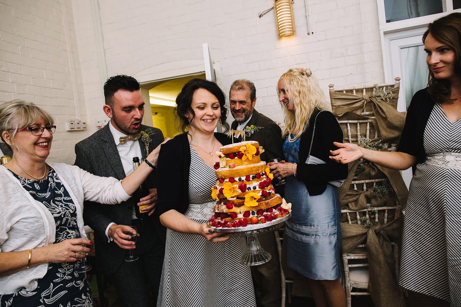 funky wedding cake1